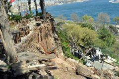 Gülhane Parkı'ndaki Enkazın Altından 2 Kişinin Cesedi Çıkarıldı