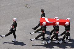 Şırnak'ta Tank Altında Kalan Asker Şehit Oldu