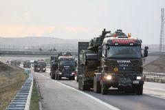 Suriye Sınırına Tank Sevkiyatı Başladı