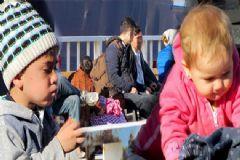 İzmir'den Yunanistan'a Geçmeye Çalışan 45 Mülteci Yakalandı