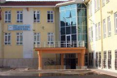 Karaman'daki Okulun Müdürü ve Yardımcıları Görevden Alındı