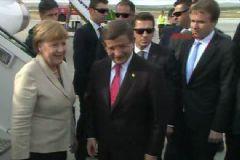 Başbakan Davutoğlu ve Angela Merkel Sığınmacılar İçin Gaziantep'e Gitti