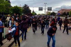 Meclis Önündeki Göstericilere Biber Gazlı Müdahalesi