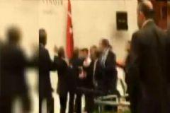 Meclis Karıştı AK Parti ve HDP Milletvekilleri Birbirine Girdi