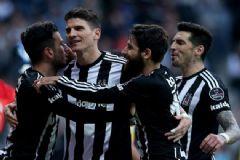 Lider Beşiktaş Vodafone Arena'da Şov Yaptı: 4-0