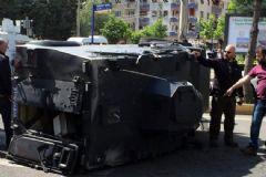 Diyarbakır'da Zırhlı Polis Aracı Kaza Yaptı: 4 Yaralı