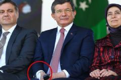 Başbakan Davutoğlu'nun Bileğindeki Bandaj Dikkat Çekti