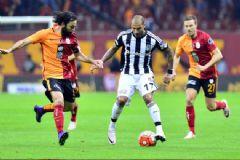 Galatasaray ile Beşiktaş Derbisinde Gomez Efsanesi