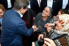 Davutoğlu'nun Huzurevi Ziyaretinde İlginç Diyalog