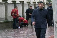 Dolmabahçe Sarayı Bahçesin'de Bomba Alarmı