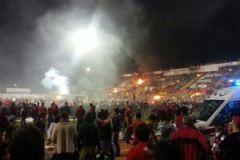 Eskişehirspor-Medipol Başakşehir Maçı Sonrası Taraftarlar Stadı Ateşe Verdi