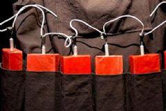 Şanlıurfa'da Çöpte 2 Canlı Bomba Yeleği Bulundu