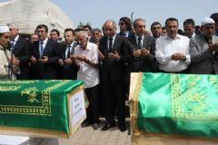 Diyarbakır'da 13 Köylü İçin Toplu Cenaze Töreni Düzenlendi