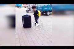 Küçük Çocuk Dansıyla Sosyal Medyada Rekor Kırdı
