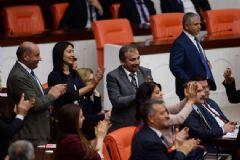 Meclis'te HDP'li Vekillerden Alkışlı Protesto