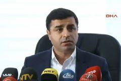Selahattin Demirtaş 'Hayır' Oyu Kullanan CHP'yi Topa Tuttu