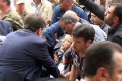 Kahramanmaraş Valisi Şehit Cenazesinde Bayıldı