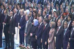 Erdoğan'ın Mesajını Tüm Salon Ayakta Dinledi