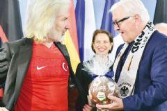 Berlin Büyükelçisi İstanbul'a Dönüyor