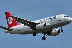 THY'nin İstanbul - Isparta Uçağı Antalya'ya Zorunlu İniş Yaptı