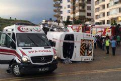 Ankara'da İki Servis Aracı Kaza Yaptı: 6 Yaralı