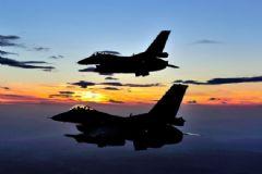ABD'de 2 Savaş Uçağı Çarpıştı