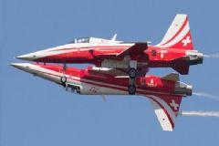 İsviçre Akrobasi Ekibine Ait 2 Uçak Havada Çarpıştı