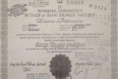 İşte Cumhurbaşkanı Erdoğan'ın Diploması!