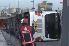 İstanbul'da Metrobüs Devrildi: Çok Sayıda Yaralı Var!
