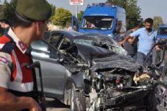 MHP'li Başkan Yardımcısı Ve Eşi Trafik Kazasında Hayatını Kaybetti