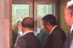 Bahçeli Meclis'teki Asansörde Mahsur Kaldı