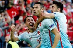 Emre Mor İlk Kez Çıktığı İlk 11'de Avrupa Futbol Tarihine Geçti