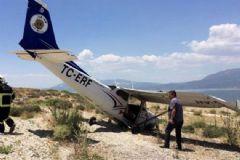 Isparta'dan Kalkan Eğitim Uçağı Plaja Zorunlu İniş Yaptı