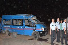 Siverek'te Askeri Minibüs Kaza Yaptı: 5'i Asker, 12 Yaralı
