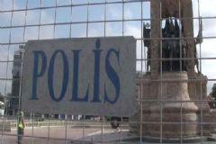 Taksim Cumhuriyet Anıtı'nın Çevresi Kapatıldı