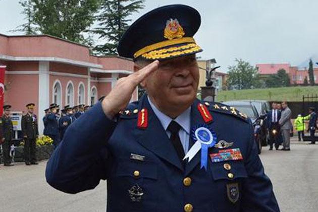 Darbeciler Hava Kuvvetleri Komutanı'nı Nasıl Rehin Aldı?