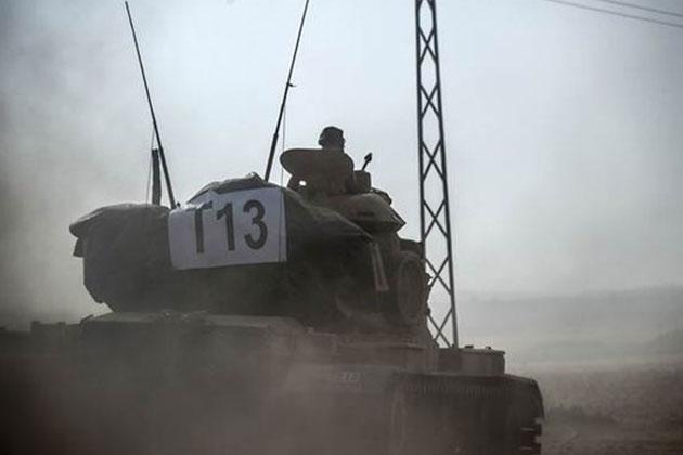 Türk Tankları Cerablus'a Girdi