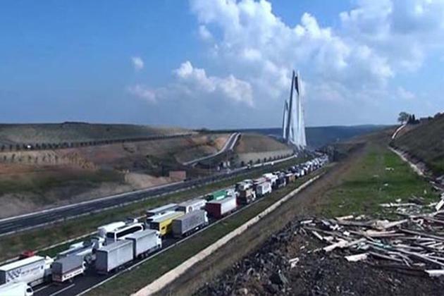 Yavuz Sultan Selim Köprüsü'ndeki Çalışma Trafiği Kilitledi