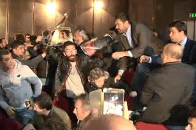Kılıçdaroğlu'nun Katıldığı Sempozyumda Gerginlik Çıktı
