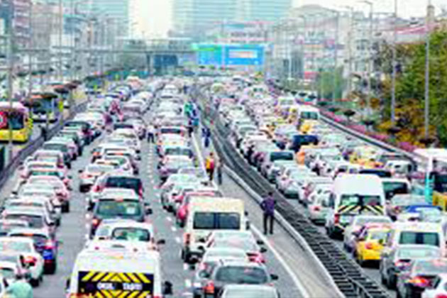 Trafikte Yeni Düzenleme Tehlikeli Araç Kullananlara Ceza Yağacak