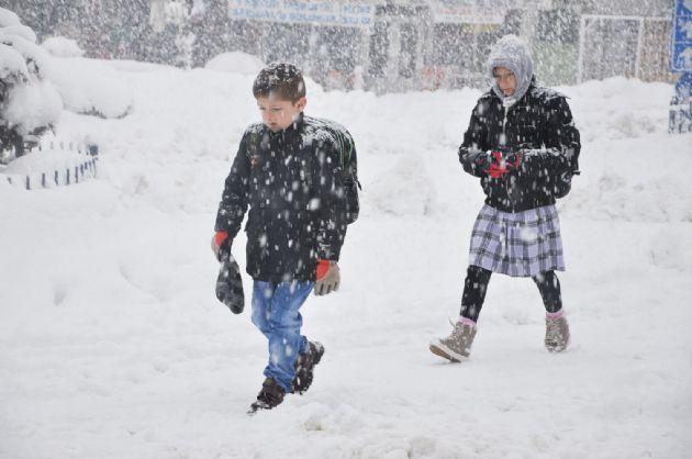Ankara Dahil 12 İlde Kar Yağışı Nedeniyle Okullar Tatil Edildi