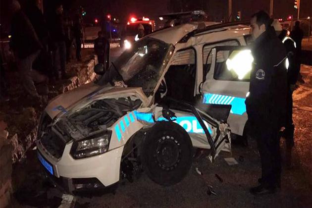 Dur İhtarına Uymayan Aracı Takip Eden Ekip Otosu Kaza Yaptı, 2 Polis Şehit