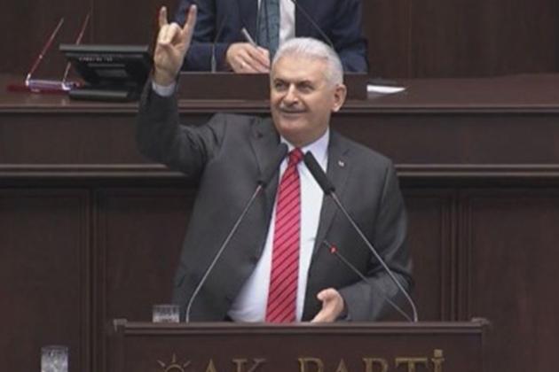 Başbakan Yıldırım'dan Bozkurt İşareti Açıklaması