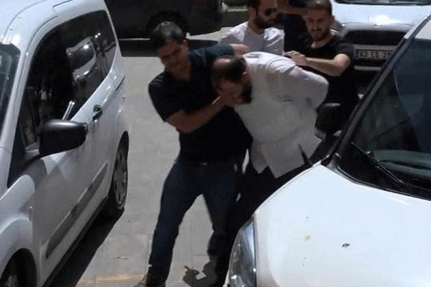 Atatürk Büstüne Saldıran Kişi Tutuklandı