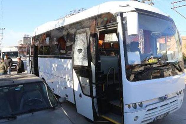 Adana'da Öğrenci Servisine Pompalı Saldırı!