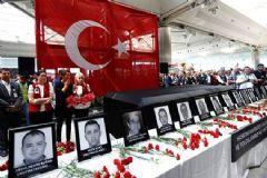 Atatürk Havalimanı'nda Anma Töreni Düzenlendi
