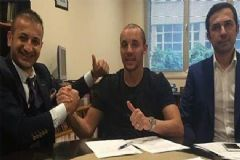 Aatif Chahechouhe, Fenerbahçe'ye İmzayı Attı