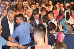 Ahmet Davutoğlu'na Konya'da Sevgi Seli