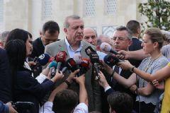 Cumhurbaşkanı Erdoğan Bayram Namazı Çıkışı Gündeme İlişkin Açıklamalarda Bulundu