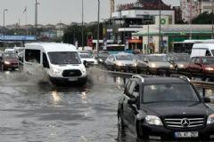 İstanbul Bayram Sabahı Sel Altında